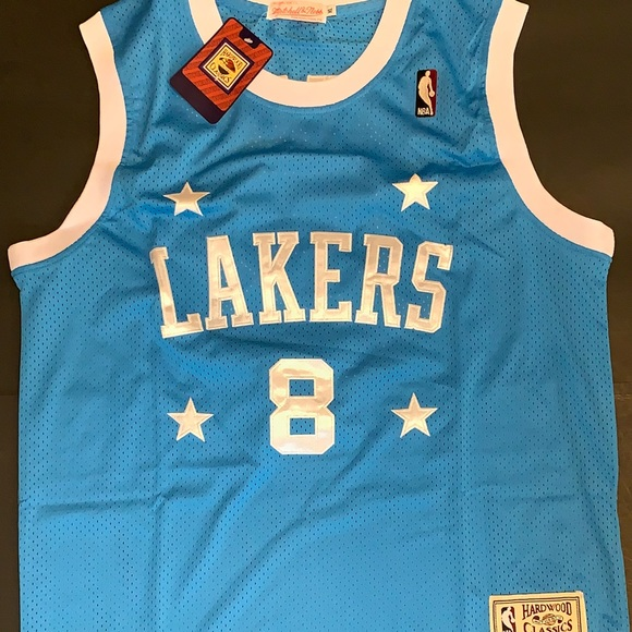 890dce3a4f4 Kobe Bryant 2004-05 Blue Lakers Throwback Jersey. M 5be338ec12cd4ae887c863de